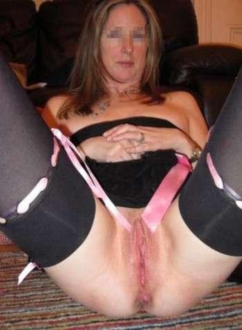 Je suis une obsédée du cul et je voudrai me faire défoncer le vagin