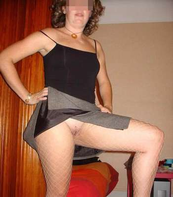 Femme bien coquine voudrait sucer de queues bien larges sur Limoges